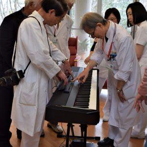 電子ピアノを吟味